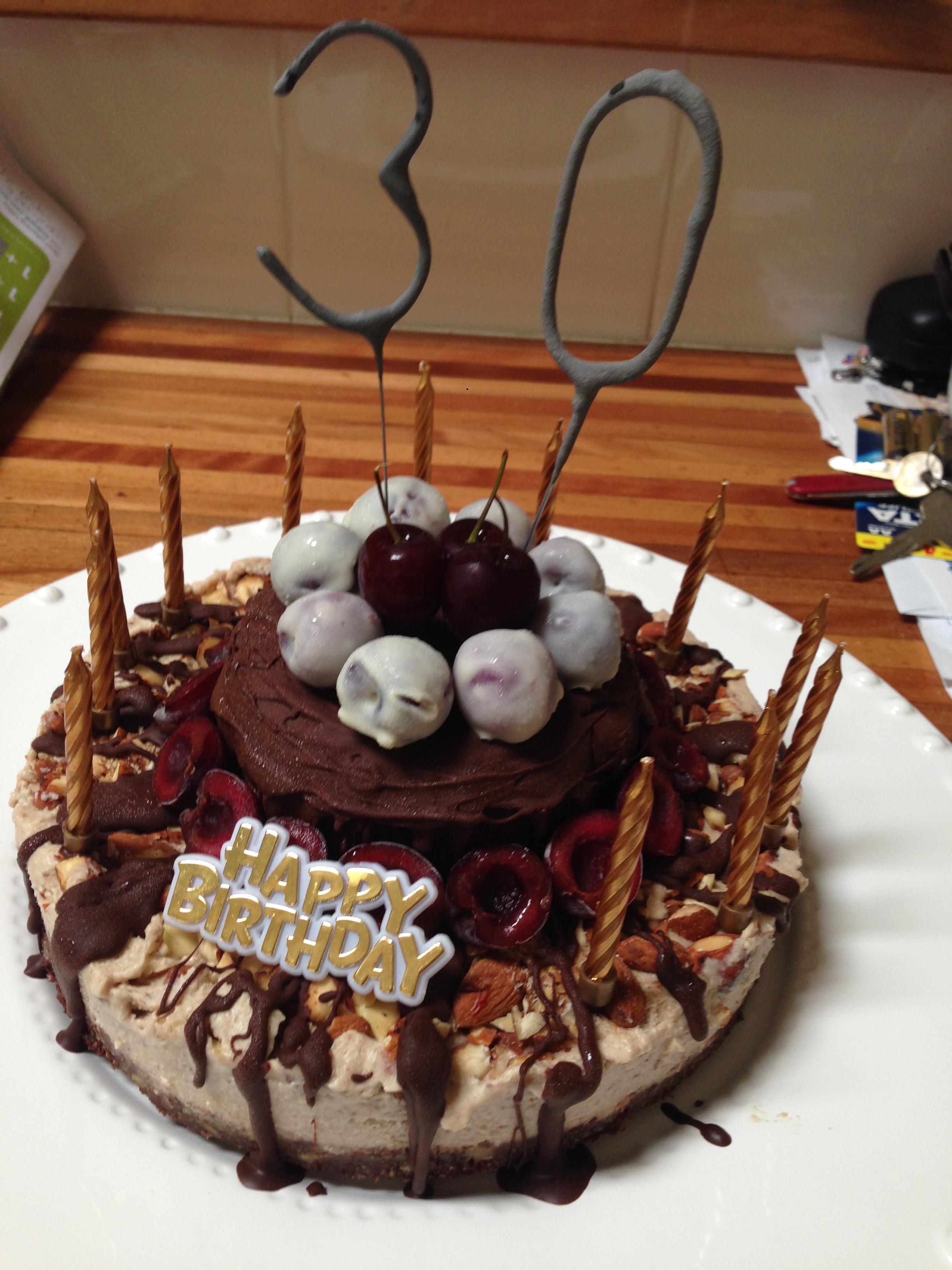 De-snicker-licious cake