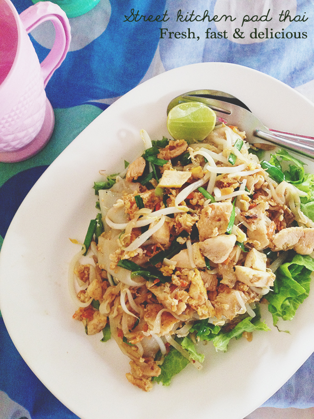 Street kitchen pad thai | Week of Eats: Chiang Mai edition | lizniland.com